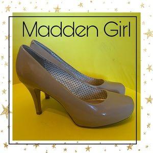 Madden Girl Beige Patent Platform Heels 7.5 7.5W